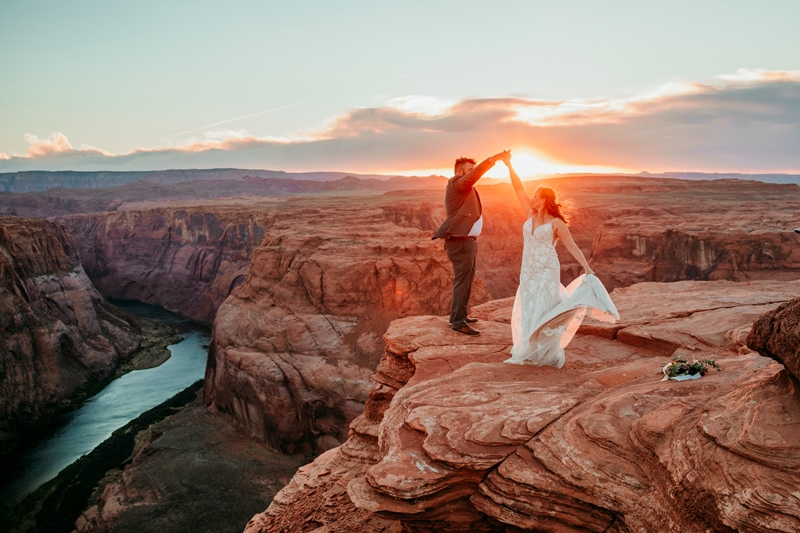 Horseshoe Bend Elopement | Destination Wedding Photographer